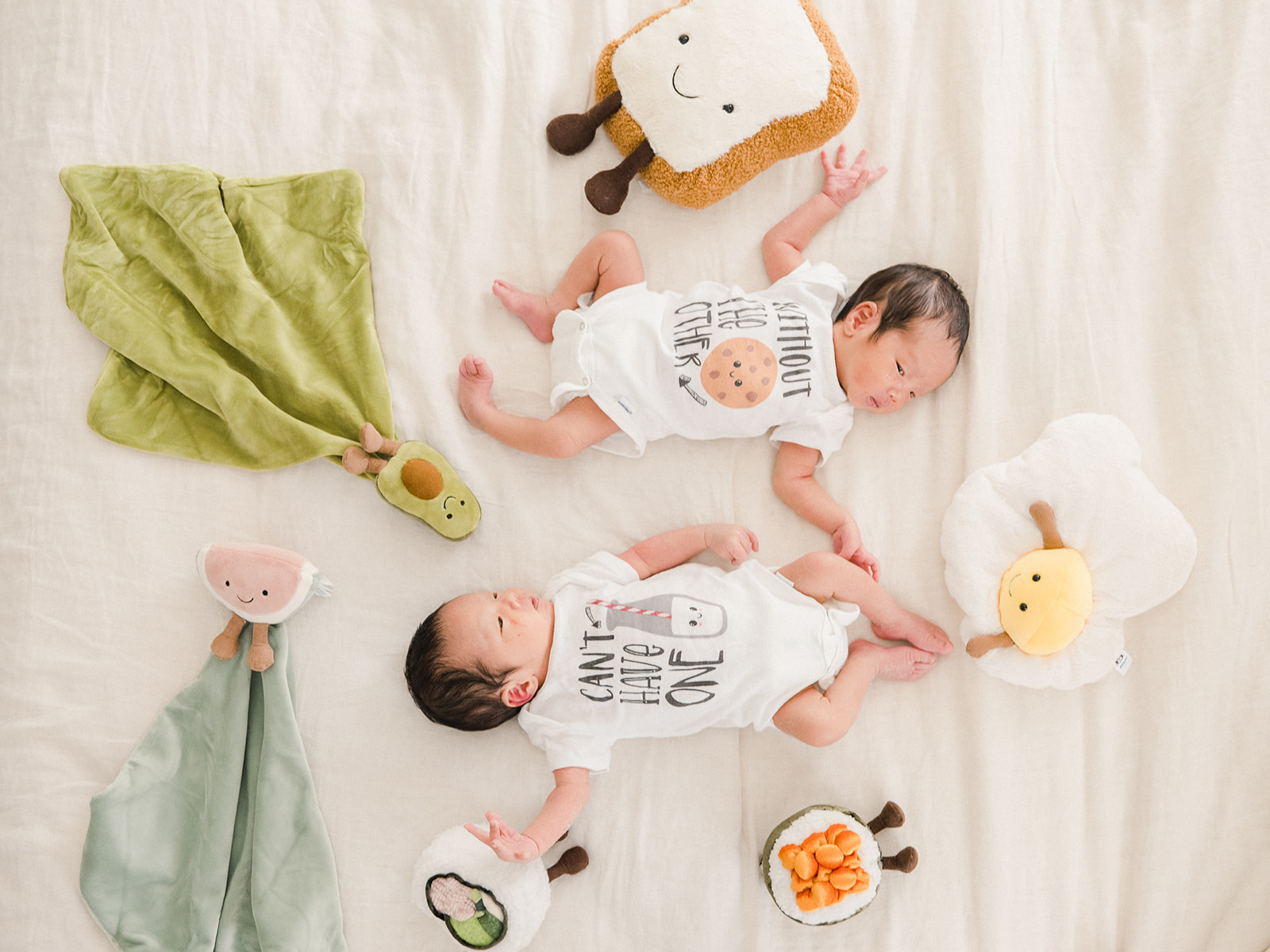 They are so small now, but they are growing so fast - even though I have taken these shots an infinite number of times, I am always amazed at how different babies look when I document their milestones for newborns, six months and one year. #newborn #photography